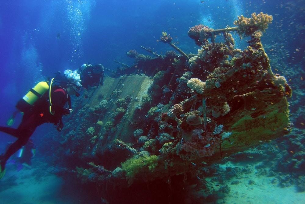 Место для аквалангистов; - a place for scuba divers - Ein Platz für Sporttaucher - Място за леко водолази